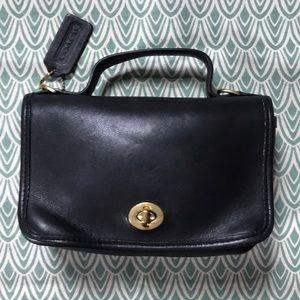 VTG Coach Casino 9924 bag leather black turn lock
